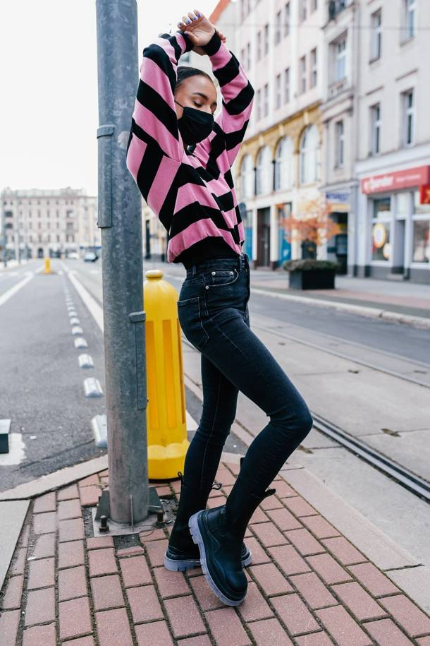 Sweter Lizzie Long Black-Pink
